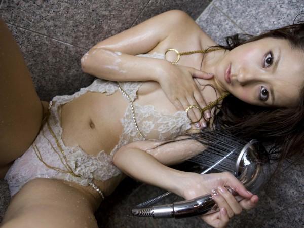 なんで人気ないの?シリーズ 中川杏奈の下着・メイドコス・グラビア水着画像画像25