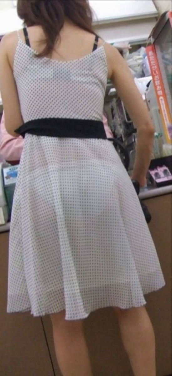 最近パンツがうっすら透けて見えるワンピースとかスカート履いてるまんこ多いけどあれ俺を誘ってんの? [転載禁止]©2ch.net [454576454]->画像>63枚