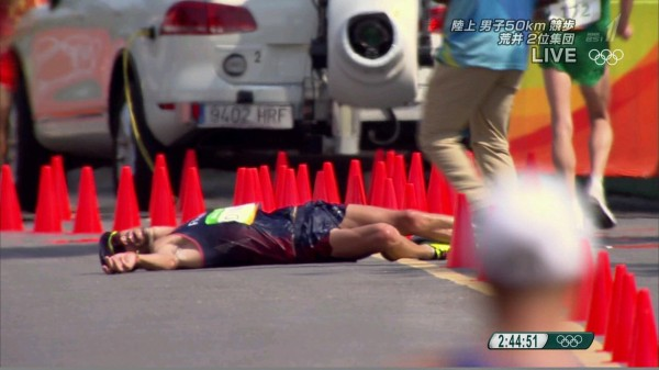 【速報】世界陸上50km競歩で日本人選手が銀&銅