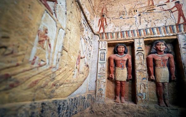 【吉村作治感激】エジプトで4400年前の墓が見つかる 荒らされておらず手付かずの超貴重な状態