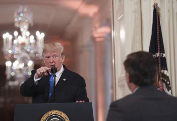 米CNNがトランプ氏提訴、記者入庁停止は言論の自由侵害