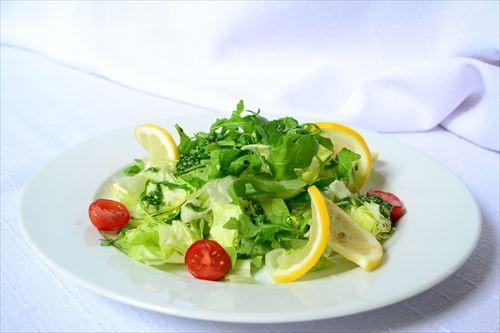 食事の時に野菜を先に食べるダイエットが流行ってるらしいけど
