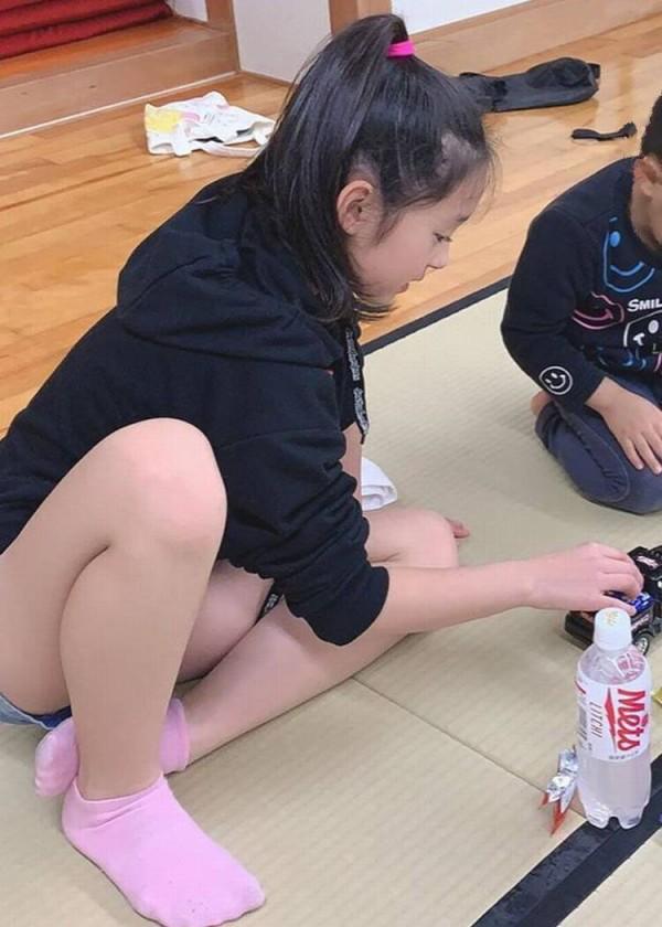 JS 女子小学生 高学年全裸 ボード「ace」のピン