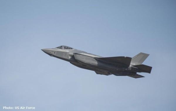 三菱重工で組み立てのF-35A戦闘機、太平洋を横断し米本土に飛行、目的は規格を満たしているか最終確認!