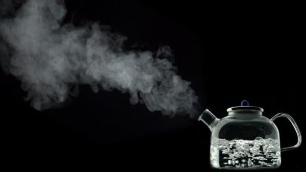 【ヤバイ】水は2回沸騰させてはいけない。 2回沸騰させると毒ガスが出る模様