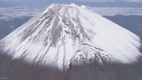 富士山滑落】 ニコ生配信者とみられる遺体、損傷激しく性別不明