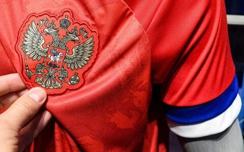 「ロシア代表 新ユニフォーム 拒否」の画像検索結果