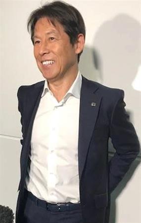 """<日本代表西野監督>""""脱ハリル""""打ち出し「西野色」に塗り替え「試合に出ていなくても、すごい競争力の中でやっていた」"""