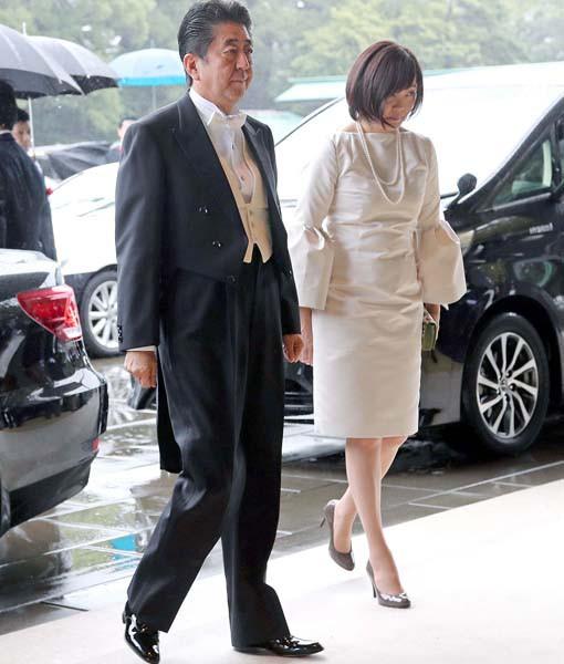 特報 『安倍昭恵夫人、ネットで話題のひざ丈ドレスに「朝から
