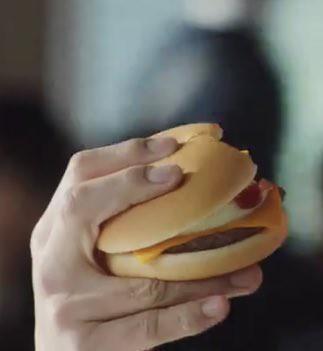 持ち キムタク 方 ハンバーガー