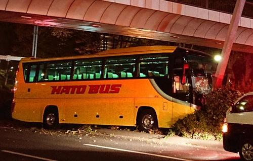 は と バス 事故