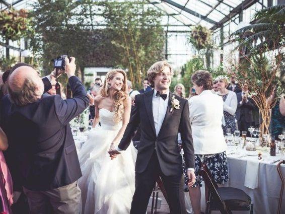 チャーリーとタニスの結婚 2 アイスネットワークの記事 ...