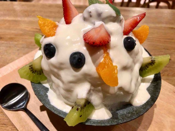新潟 アンド カフェ 旅行で新潟に来た人が最初に訪れる場所、を意識した「&CAFE」。