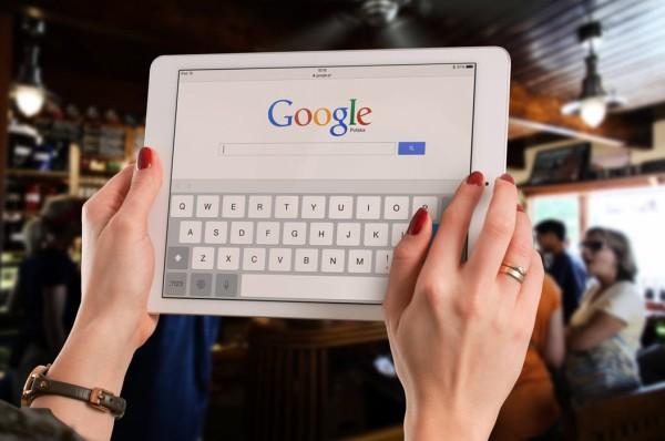 日本政府、焦りだす「このままではGoogleやAmazonなしに生活できなくなってしまう」