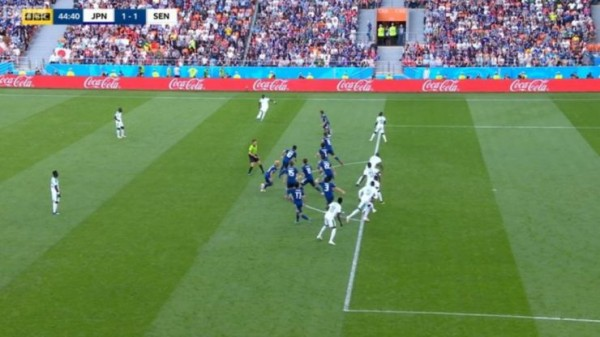 【サッカーW杯】 日本代表が海外で絶賛! セネガル戦で見せた「史上最高のオフサイドトラップ」に称賛の嵐