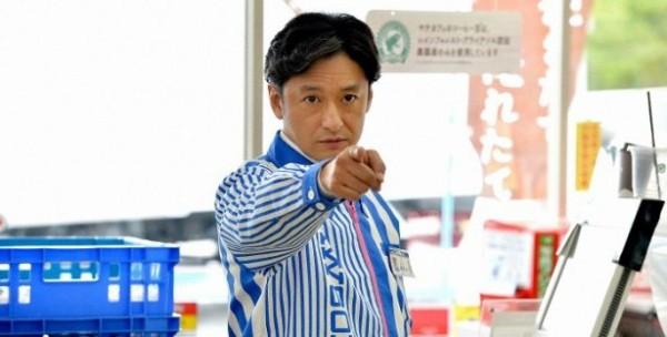 コンビニ店員「お箸は御入り用ですか?」老害「手で食べるんか!」→店員、キレたっ!!