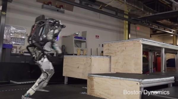 バク宙を決め不整地をダッシュするあのロボットがさらに進化!こいつマジでヤバすぎるwwwww