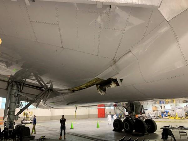 カンタス 航空 32 便 エンジン 爆発 事故