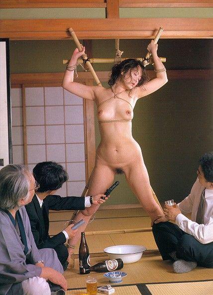 緊縛 開脚はりつけ 開脚緊縛された麻里梨夏が一糸纏わぬ裸身を蹂躙する快楽凌辱に ...