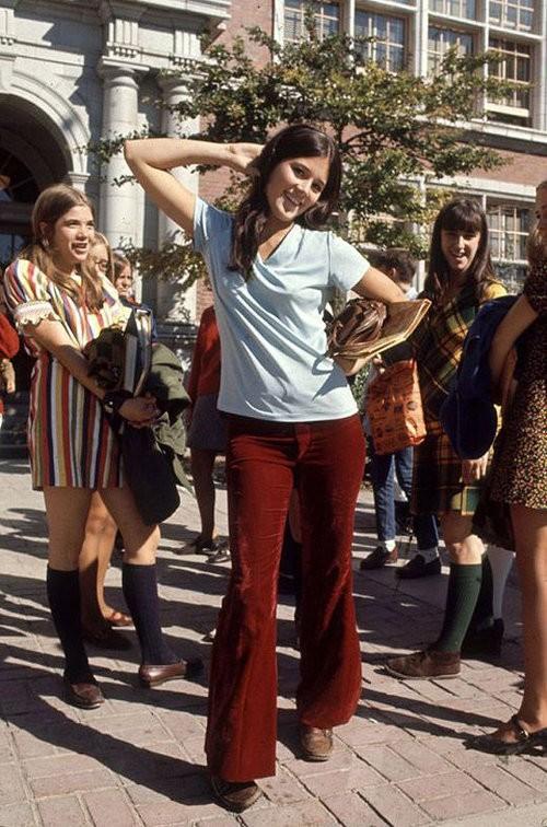 45年前のアメリカの女子高生は、こんなファッションをしていた…」1969 ...