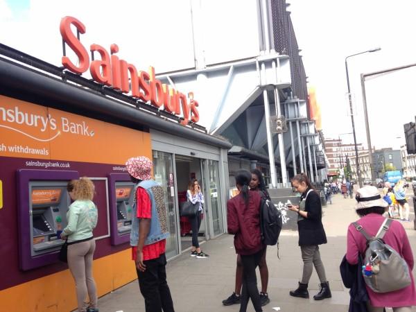 郊外のSainsubury's(セインズベリーズ)スーパー探検 Camden Town(カムデンタウン)店 ...