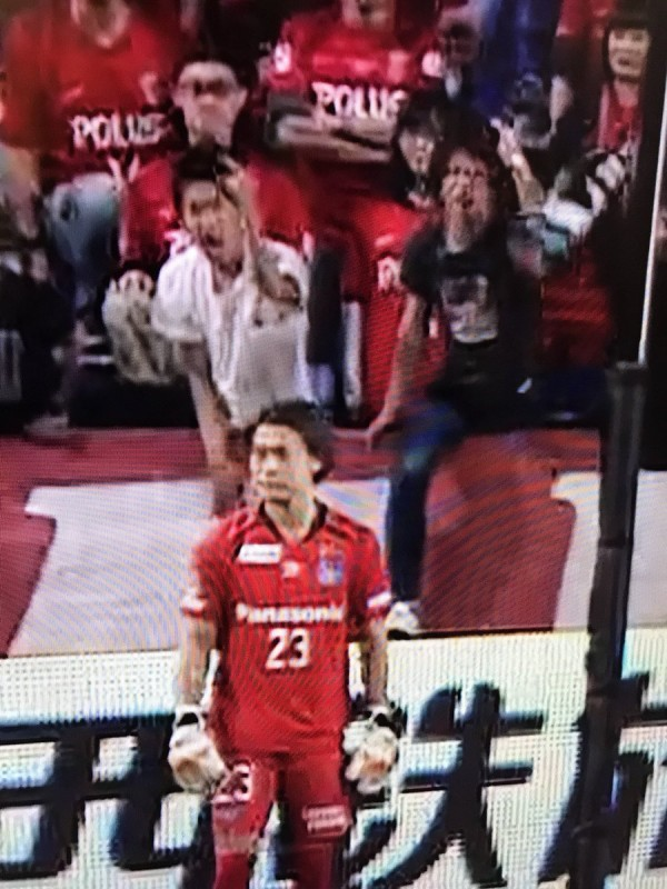 【日本】サッカーの試合で観客が中指を立てると大問題になるらしい->画像>24枚