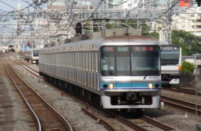 東京メトロ07系~なんで東西線を走ってるんだろう? 「07」系だよ ...
