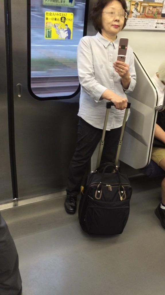 コスプレイヤー「電車で向かい側の人にずっと動画撮られてるんですが、皆さんどう思います?」 [無断転載禁止]©2ch.net [585351372]YouTube動画>3本 ->画像>71枚