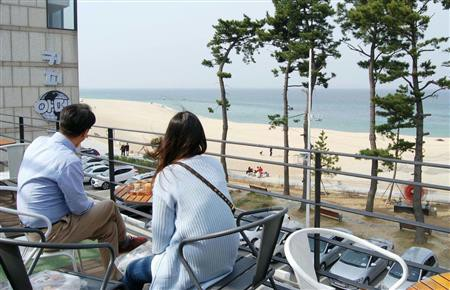 【韓国】海辺の町にコーヒーの香り 平昌五輪で外国人観光客誘致