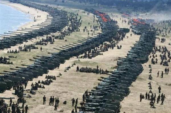 北朝鮮で行われた史上最大規模の火力訓練wwwwwwww (※画像あり)