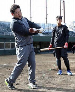 巨人岡本「ホームランを打ちたいです」おかわり「それなら息の長い、品のある打球を打とう」