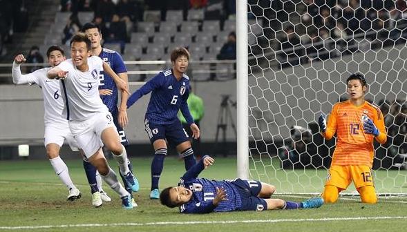 サッカー日本代表、韓国に38年ぶりの4失点大敗