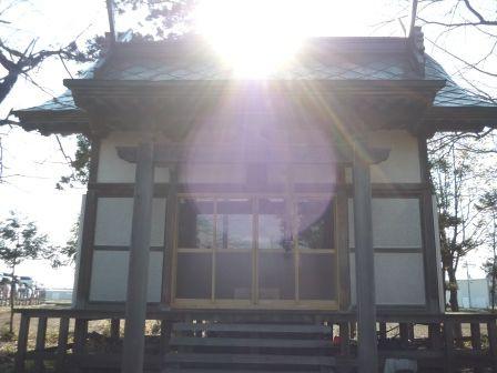 稲荷神社 (黒石市下目内沢) : くぐる鳥居は鬼ばかり