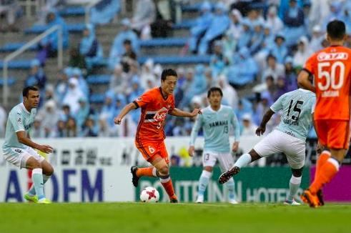 【J1】新潟、降格決定は阻止!終了間際の失点で磐田とドローも他会場の結果で降格回避