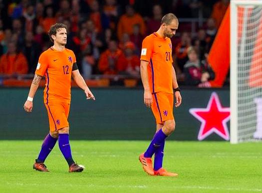 """【危機】「オランダはこの4年でどうした!」2014W杯3位、2018W杯は予選敗退と驚くべき""""低迷速度"""""""