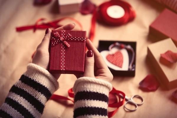 【神対応!】バレンタインチョコ持参NGで持ち物検査があり先生にバレた結果・・・・