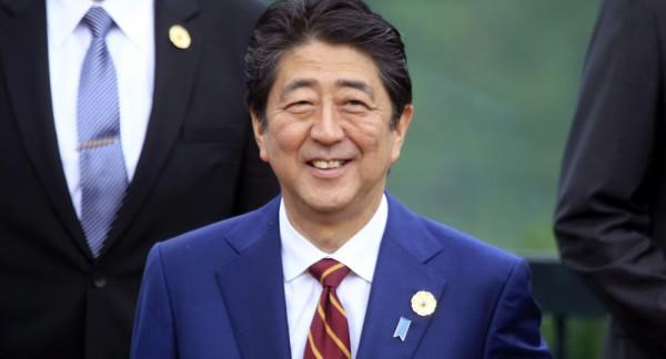 【朗報】安倍首相、完全に世界の中心に立つ・・・・・・・