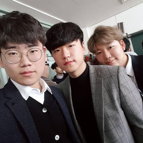 ここで最近の韓国の男子校の写真をご覧くださいwwwwwwww