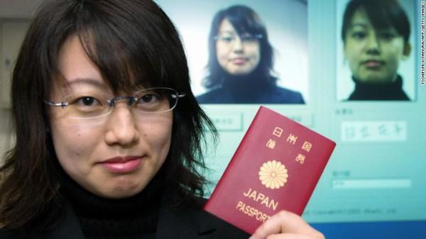日本のパスポートがいかに凄いかが一瞬でわかるランキングが公開された結果wwwwwww